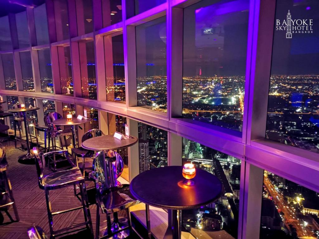 7Baiyoke Sky โรงแรมใบหยก Roof Top Bar ชั้น83 1
